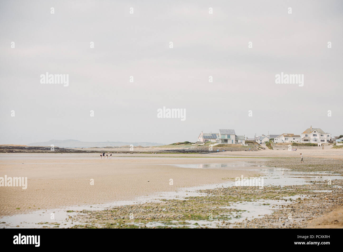 Houses on Broad Beach, Traeth Llydan, Rhosneigr, Anglesey, North Wales, UK - Stock Image