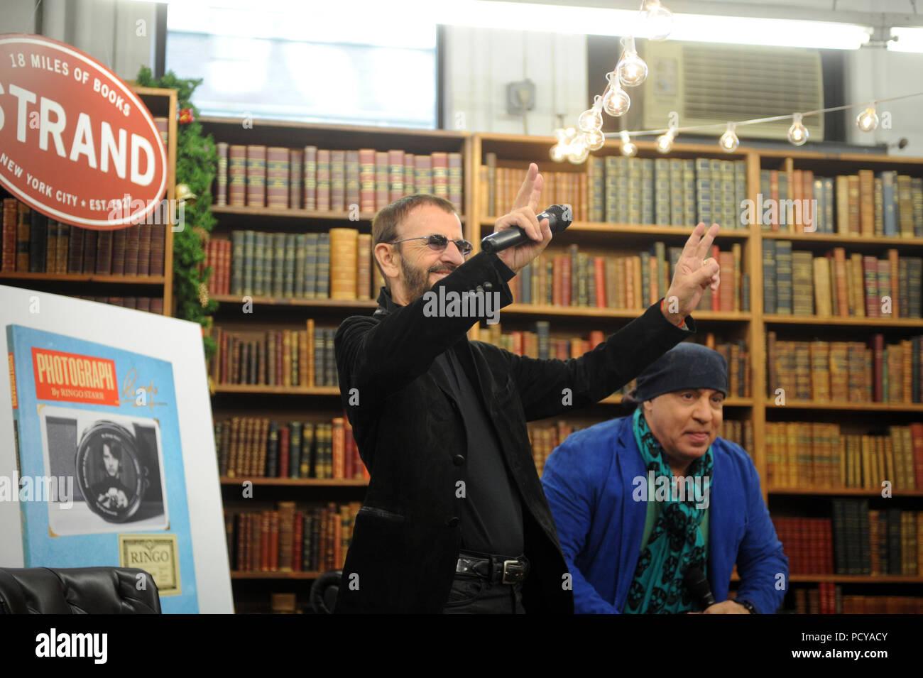 Steven Van Zandt Stock Photos & Steven Van Zandt Stock