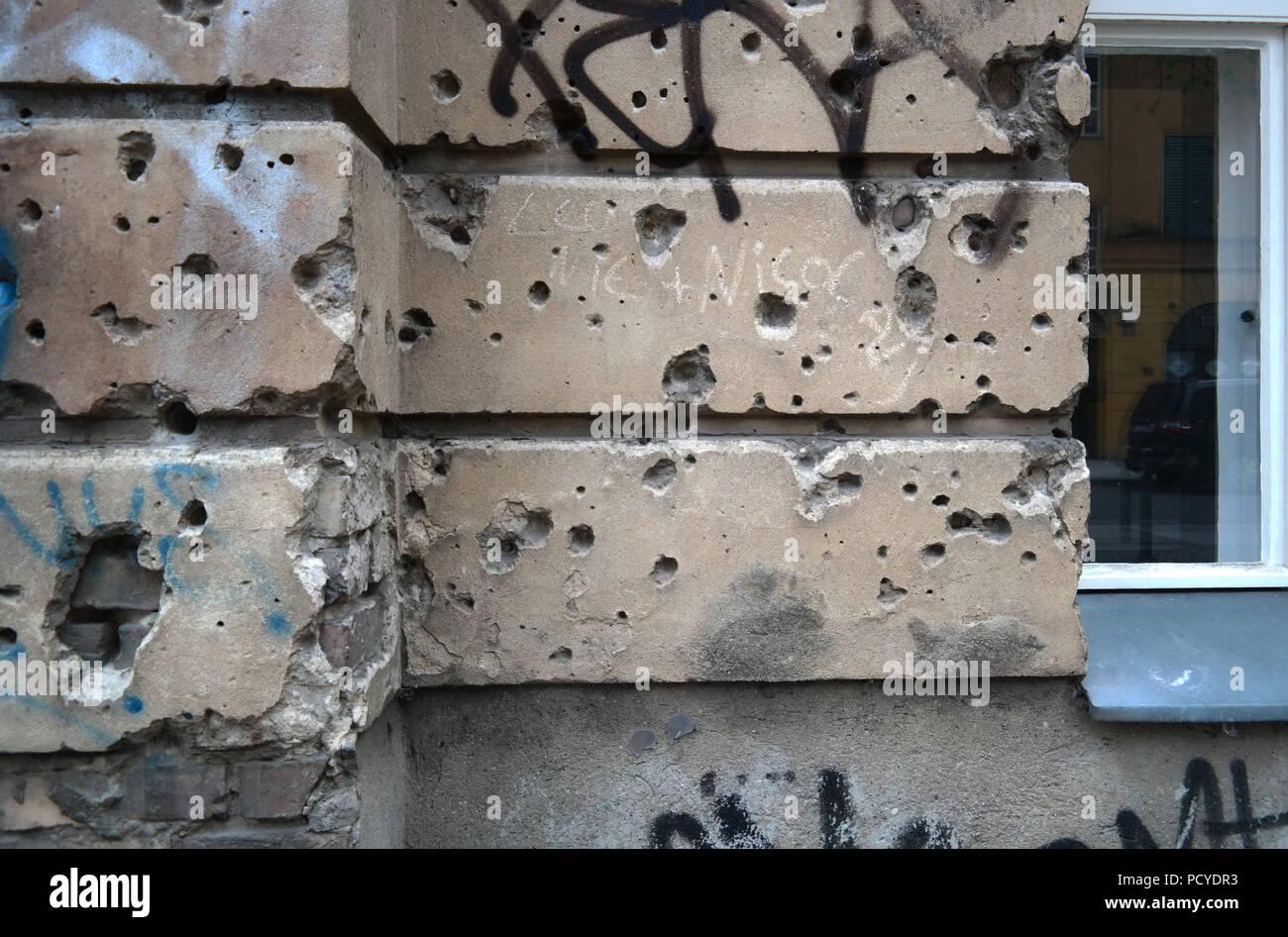 Berlin, Mitte, Große Hamburger Str Krieg Bombe Granat Löcher - Stock Image