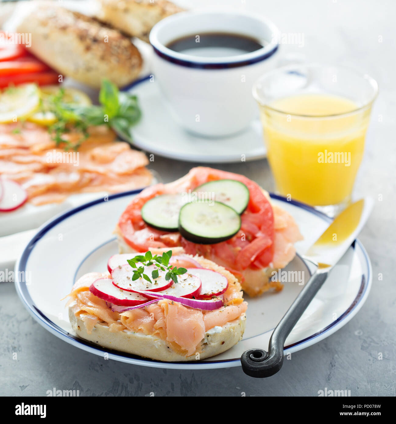 Bagels and lox platter - Stock Image