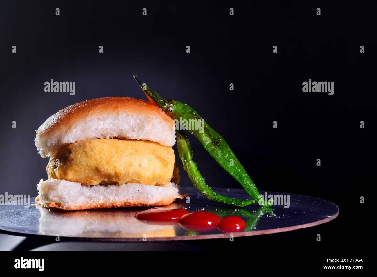 Vada paav and chilly - Stock Image