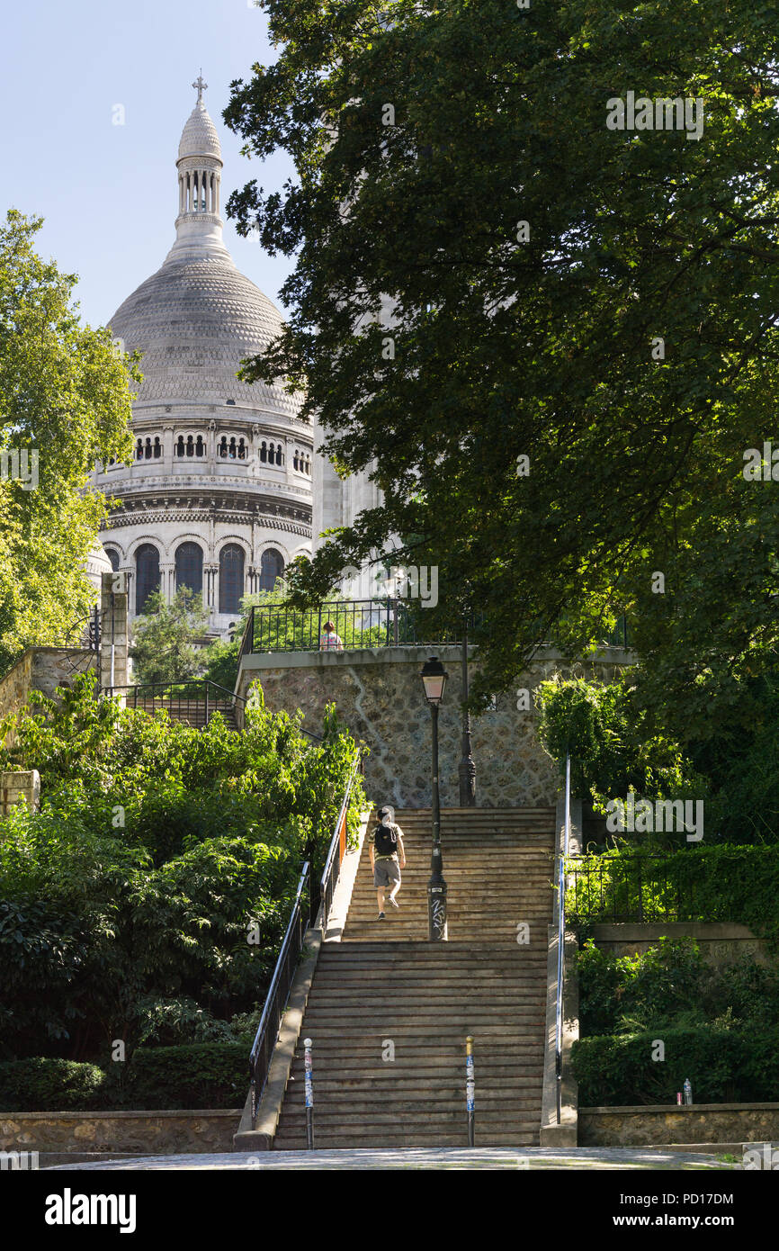 Paris Monmartre - Stairways in Montmartre leading to the Sacre Coeur Basilica in Paris, France, Europe. - Stock Image