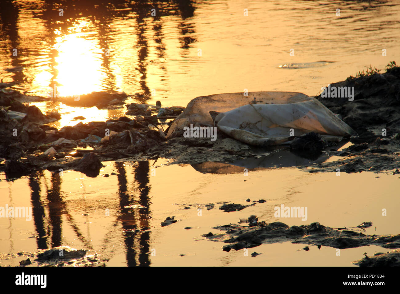 The Citarum River in Bandung is polluted - Stock Image