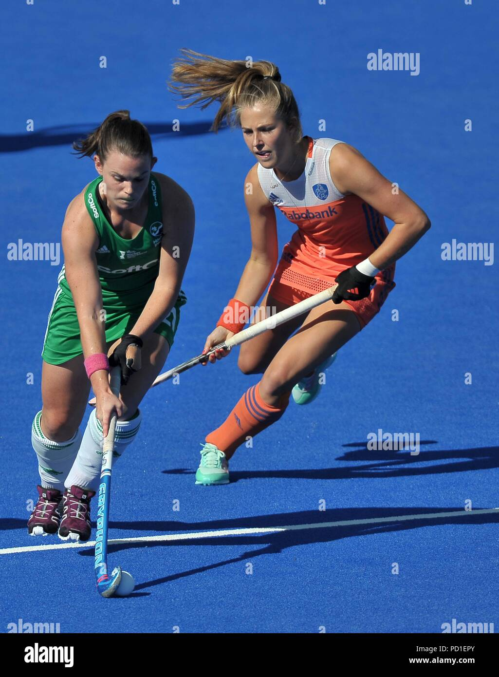 London, UK. 05th Aug, 2018. Lizzie Colvin (IRL) goes past Xan De Waard (NED). Holland V Ireland. Match 36. Final. Gold medal match. Womens Hockey World Cup 2018. Lee Valley hockey centre. Queen Elizabeth Olympic Park. Stratford. London. UK. 05/08/2018. Credit: Sport In Pictures/Alamy Live News - Stock Image