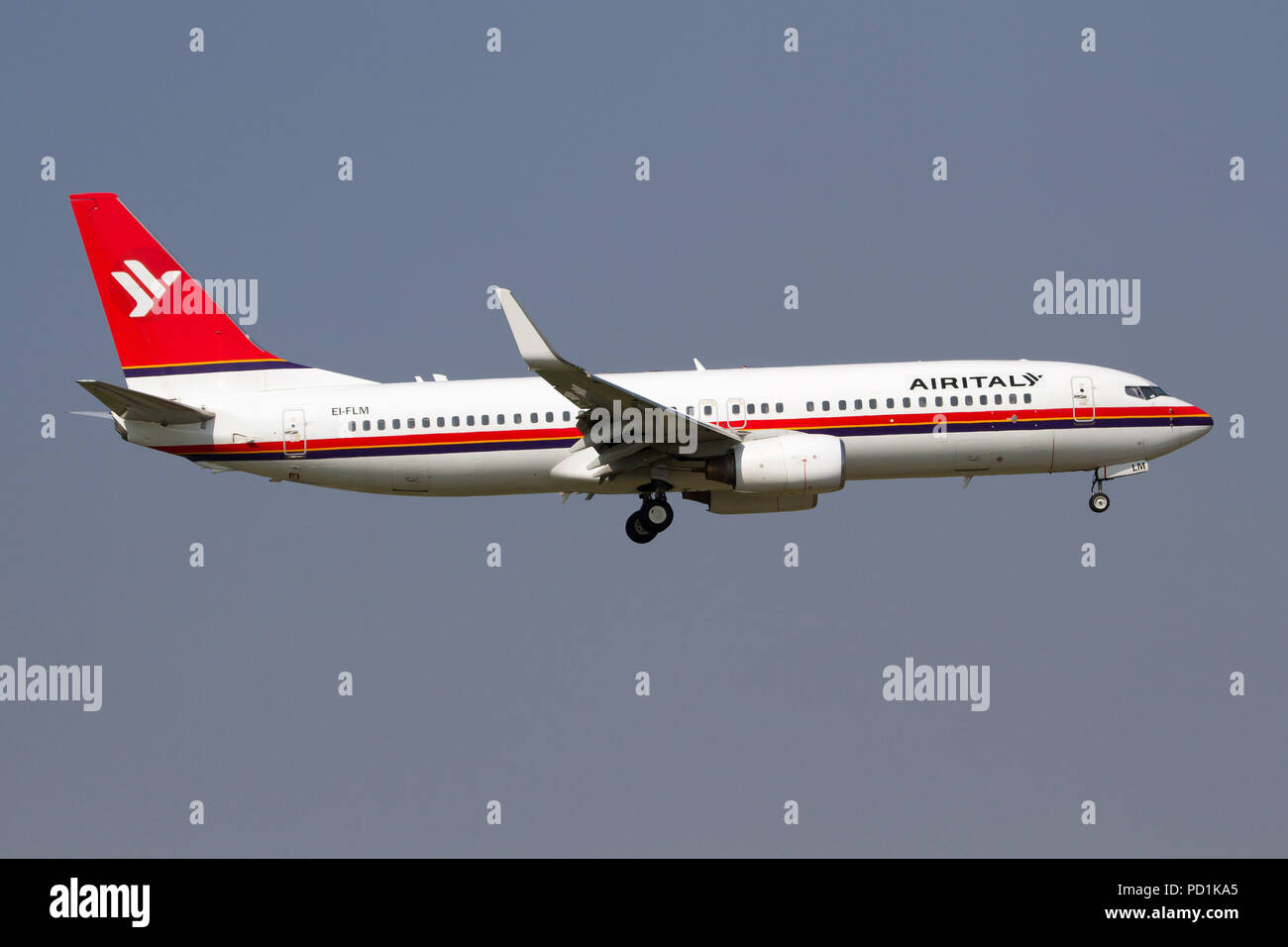 Milan, Italy. 4th Aug, 2018. A former Meridiana now Air Italy Boeing 737-800 landing at Milano Linate airport. Credit: Fabrizio Gandolfo/SOPA Images/ZUMA Wire/Alamy Live News - Stock Image