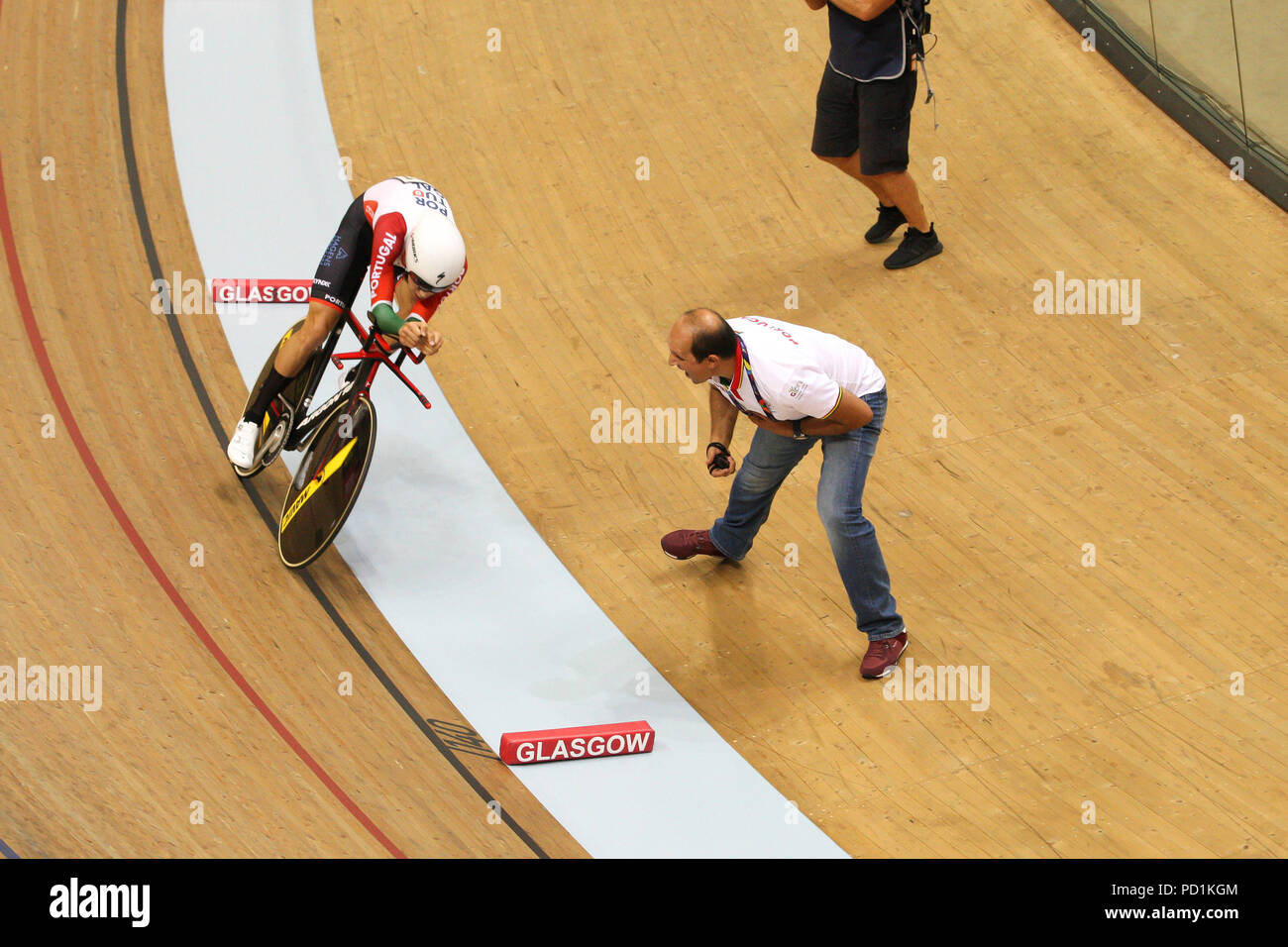 Glasgow, UK. 5 August 2018. European Championships Sir Chris Hoy Velodrome. Day 4. Domenic Weinstein GER beats  Ivo Oliveira POR to win gold in Men's 4000m Individual Pursuit. Credit Alan Oliver / Alamy Live News Stock Photo