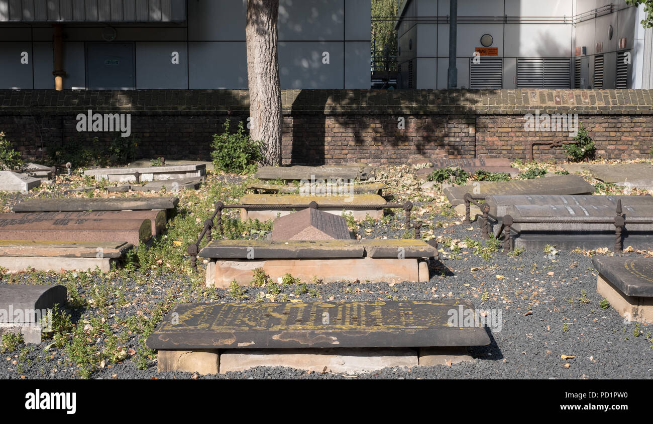 Novo Cemetery at Queen Mary University of London. Historic Sephardi Jewish burial ground located in the East End of London. - Stock Image