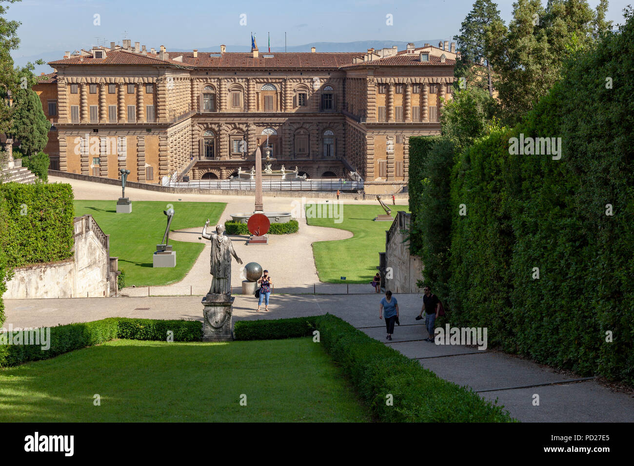 A shot taken from the background of the Pitti Palace at a draw level with the 'Neptune fountain' platform. L'arrière du Palais Pitti. - Stock Image