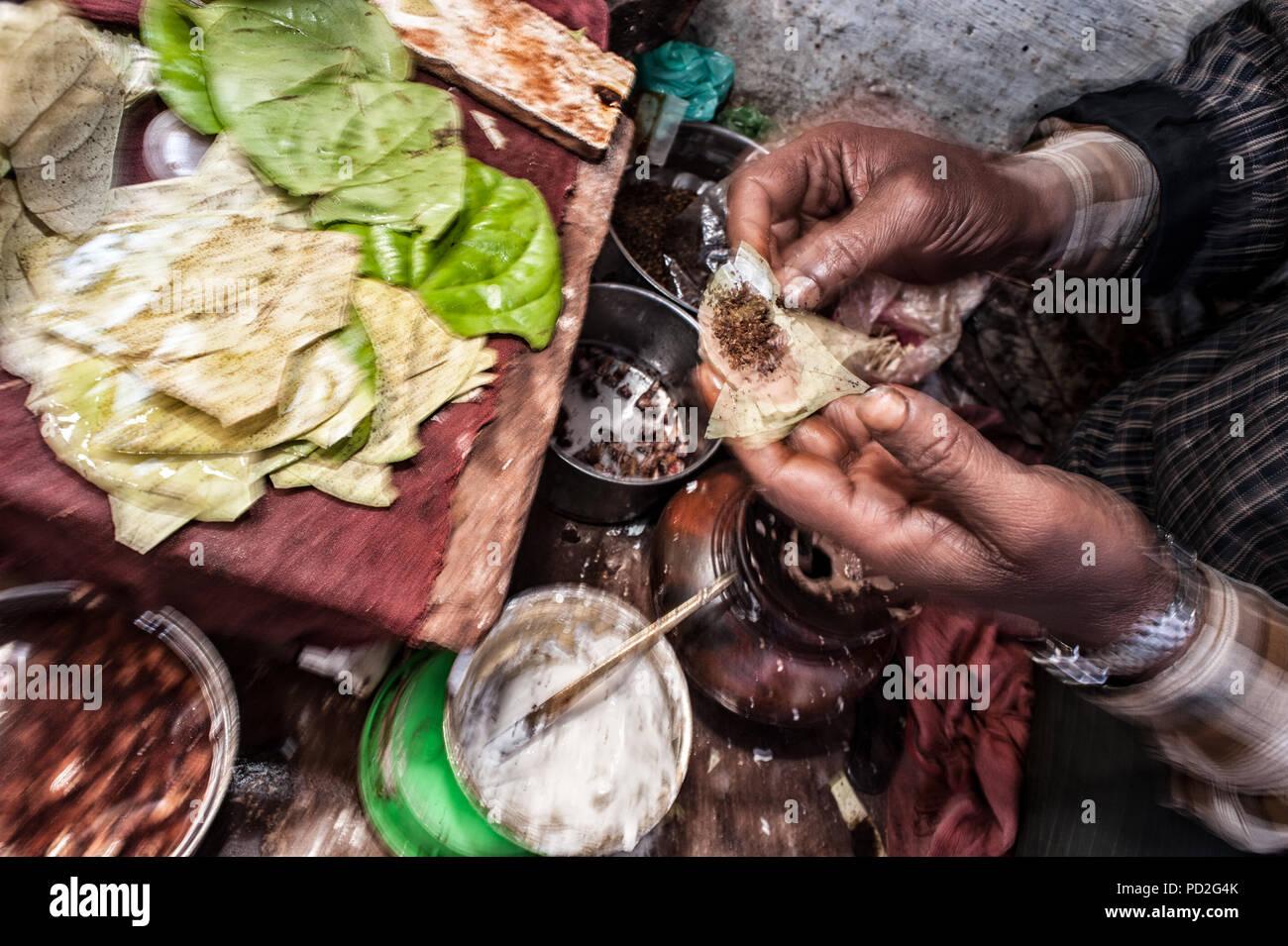 Betel leafs street shop, Old town, Varanasi, Uttar Pradesh, India - Stock Image