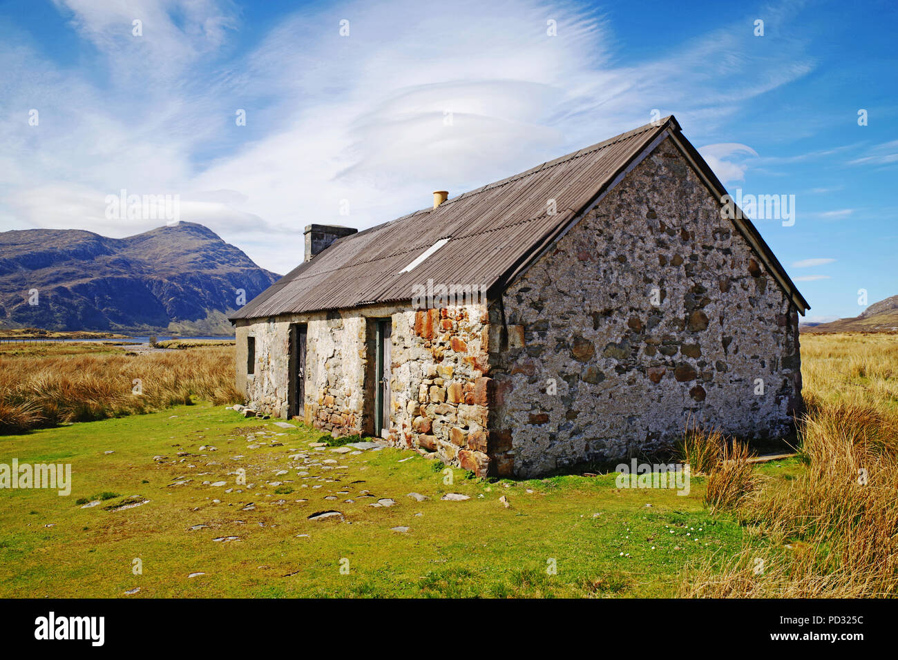 old-traditional-hut-in-remote-moorland-location-sutherland-scottish-highlands-mountain-ben-stack-in-the-background-scotland-uk-PD325C.jpg?profile=RESIZE_400x