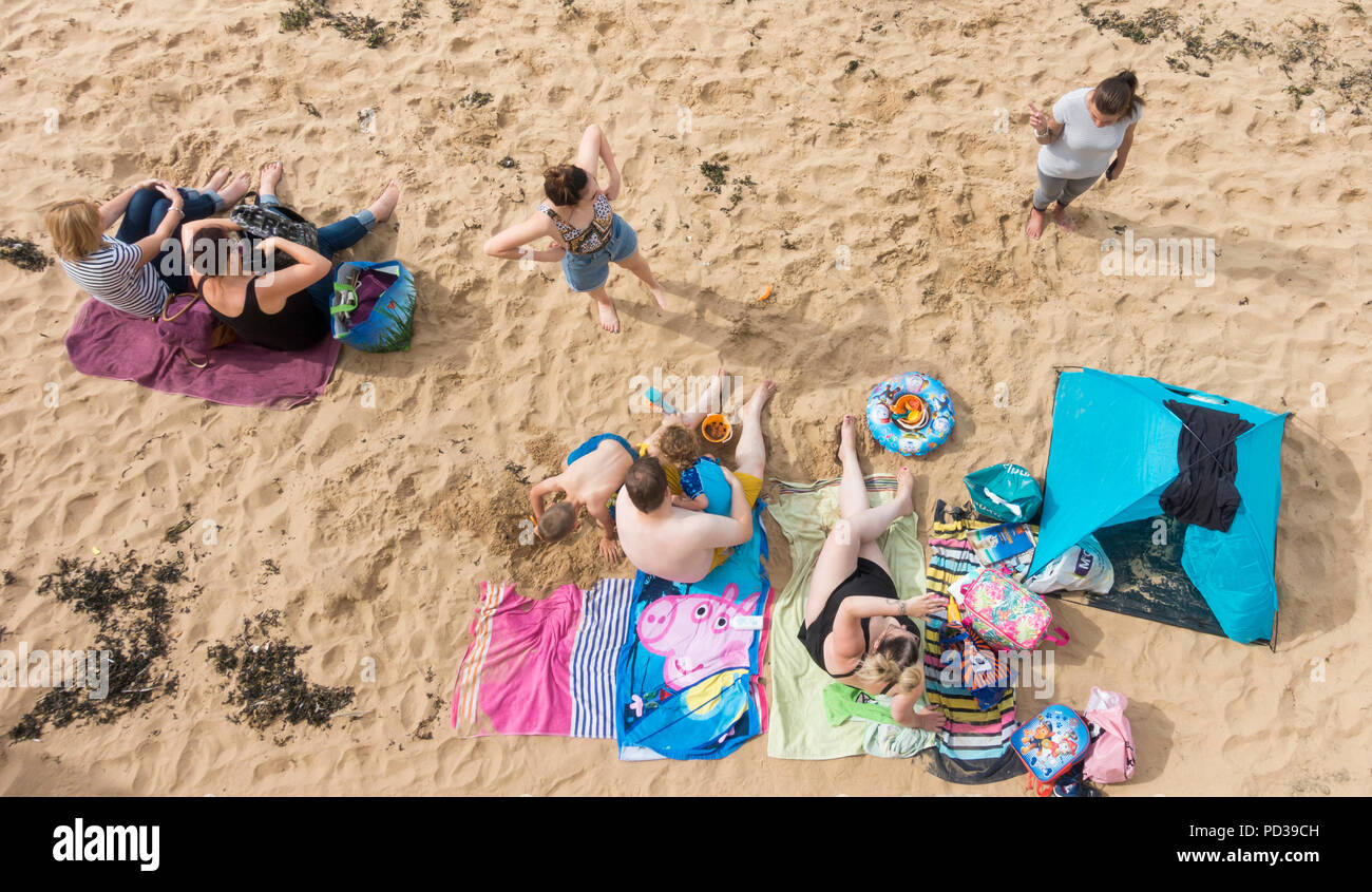 Hartlepool north east  England. United Kingdom. 6th August, 2018. UK weather: With the forecast for cooler weather from midweek, people make the most of the hazy sunshine at the Headland carnival, which runs from the 2nd - 11th August. Credit: ALAN DAWSON/Alamy Live News - Stock Image