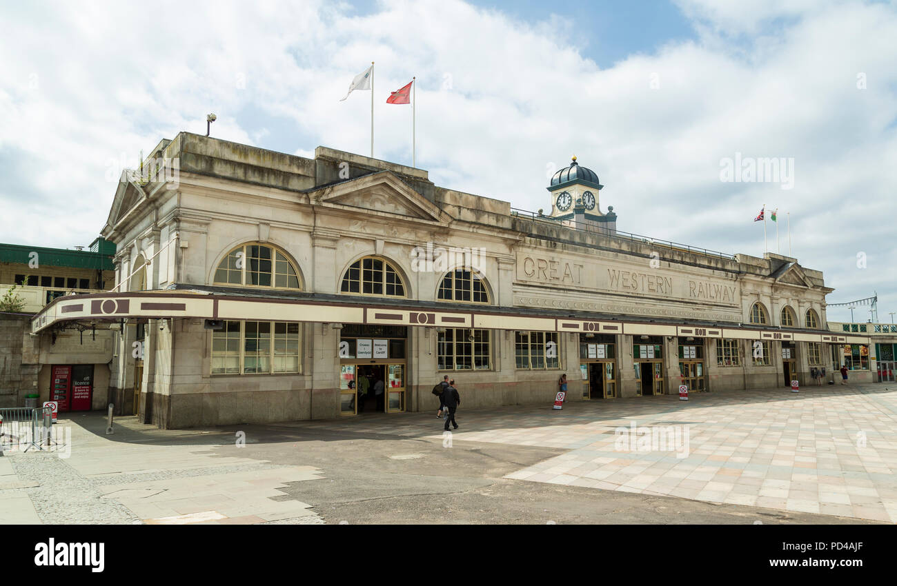 Cardiff Central Railway Station, exterior, a Grade II listed building built between 1932 and 1934 by the GWR, in an Art Deco style - Stock Image