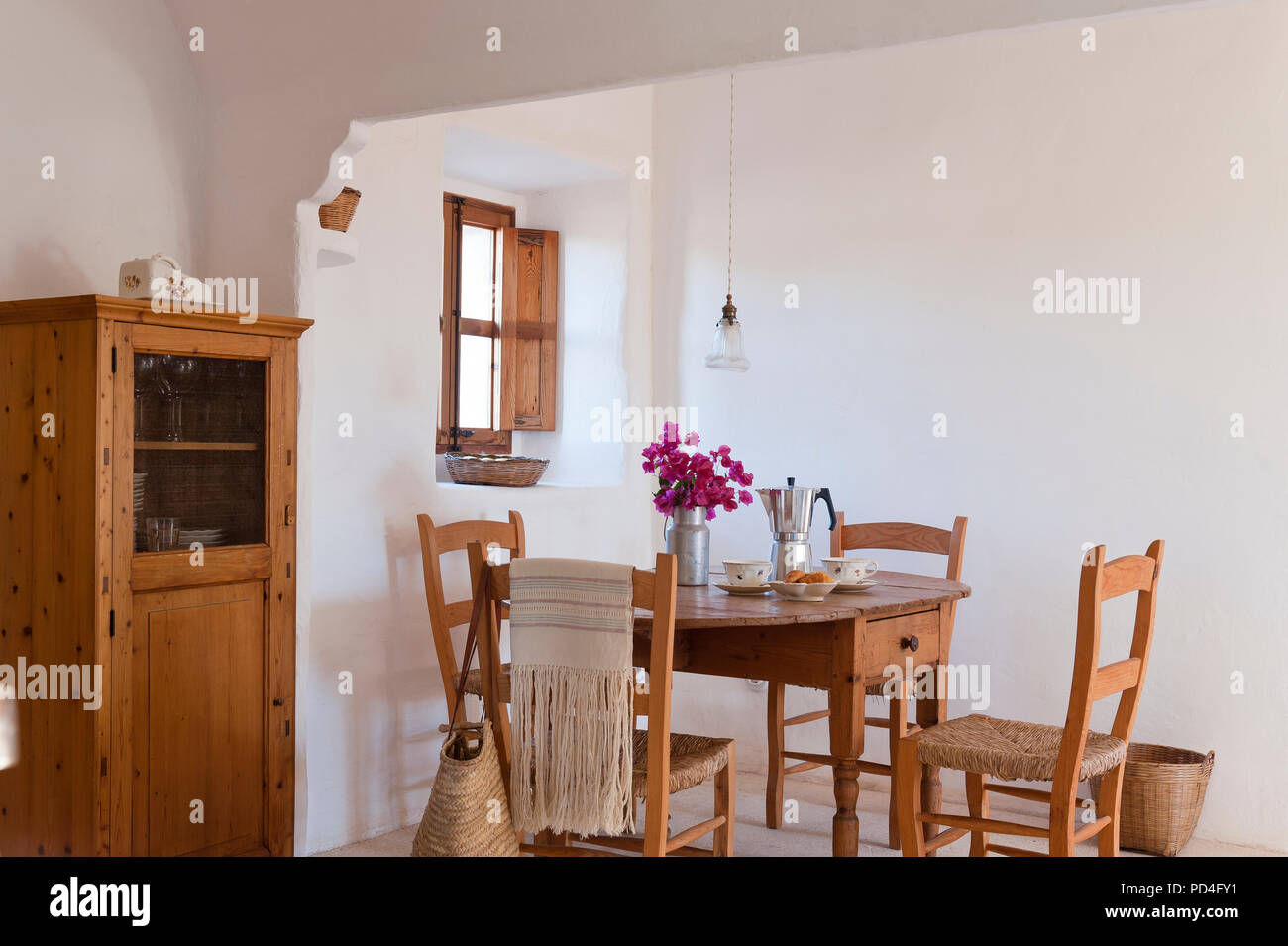 Rustic dining room - Stock Image