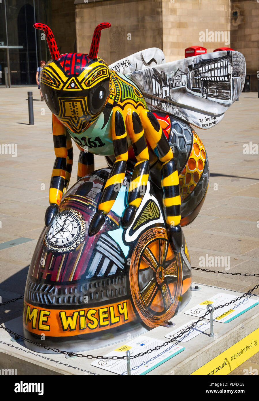 Bee Lieve in Manchester - kELzO. Bee in the City, public art event in the City of Manchester. Over 100 bees on a free family fun trail. - Stock Image