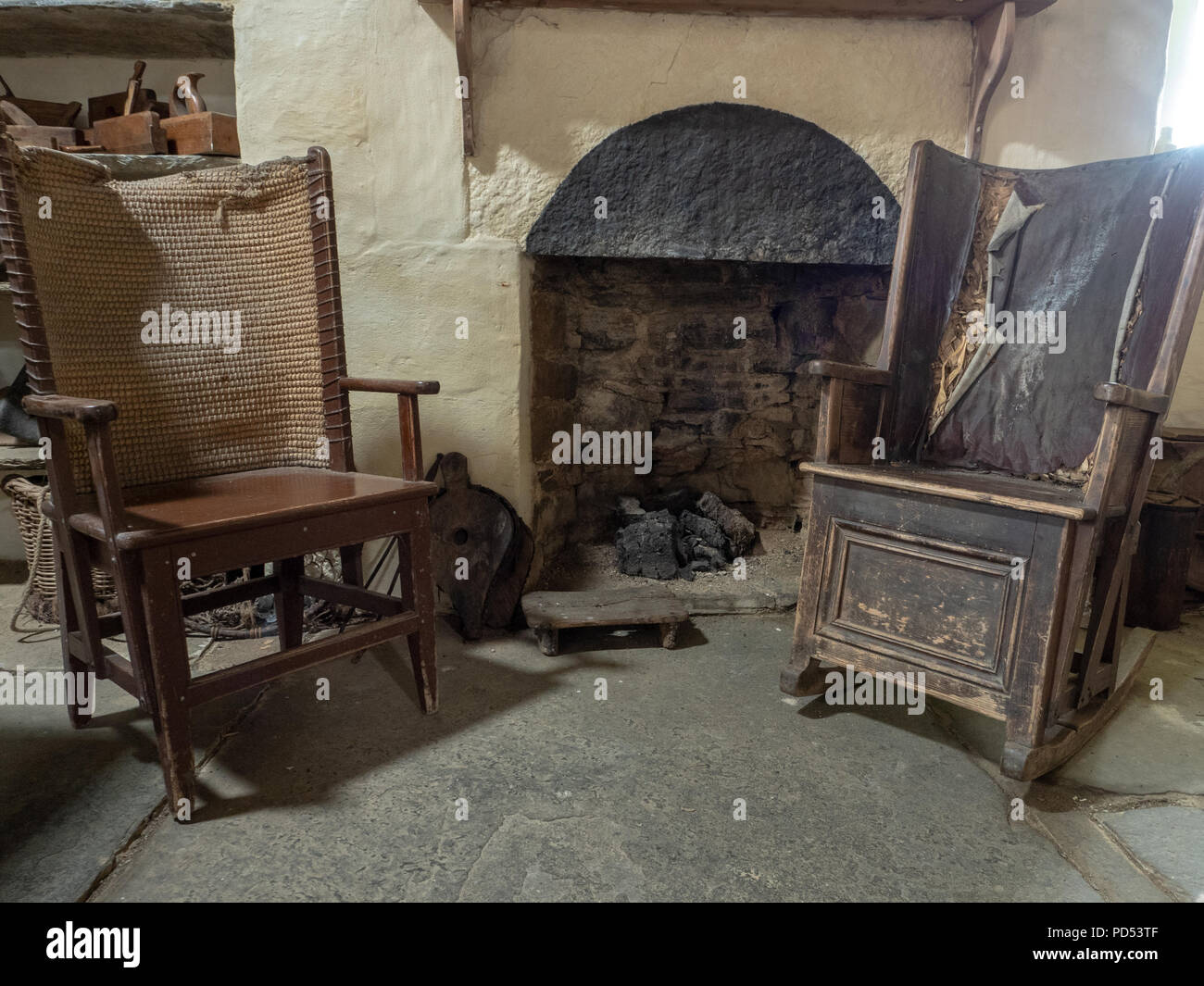 Orkney chairs by the hearth at Corrigal - Orkney Chairs By The Hearth At Corrigal Stock Photo: 214627743 - Alamy