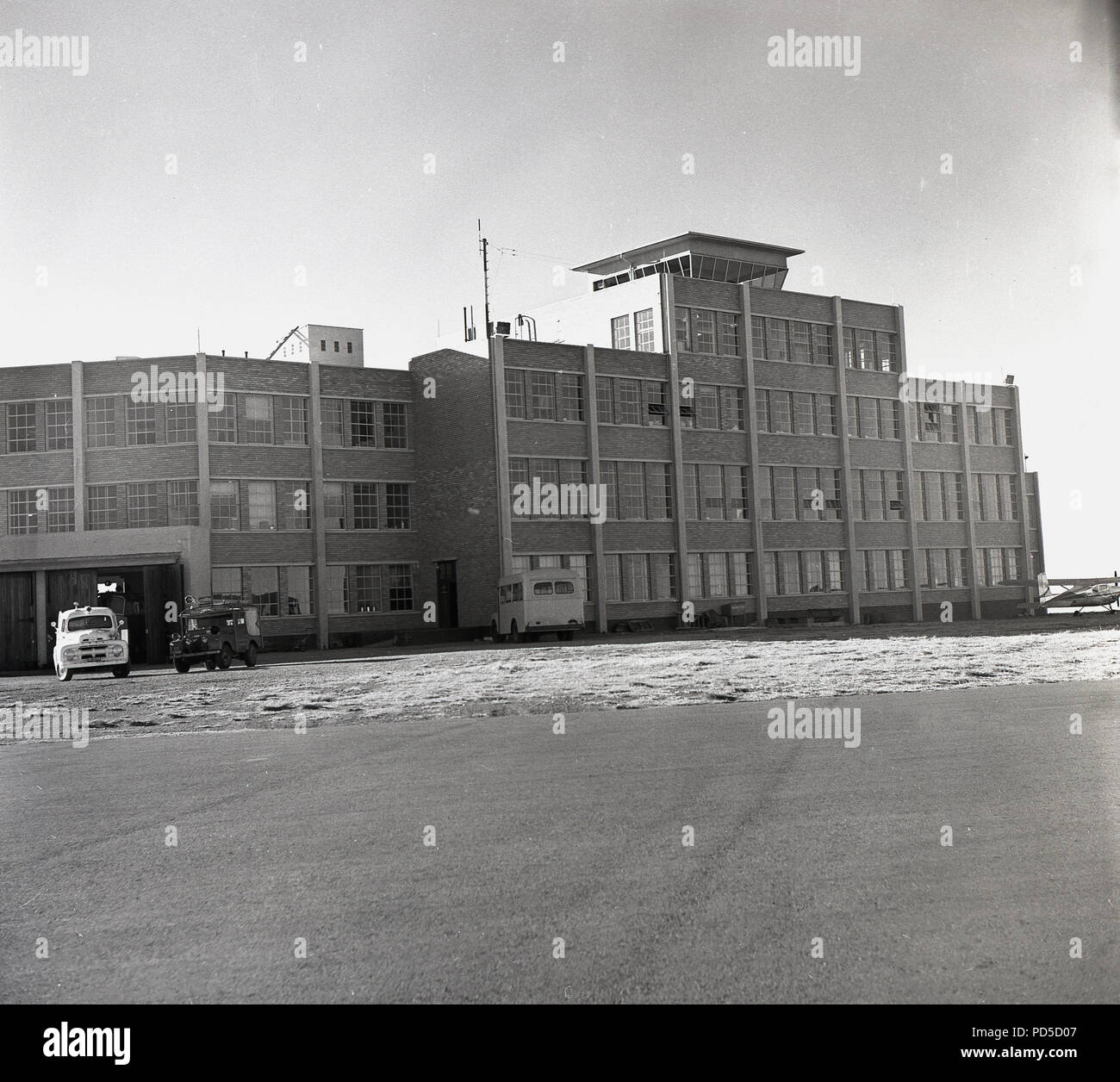 1950s, historical, exterior of the jan smuts airport, with control tower, johannesburg, South Africa. - Stock Image