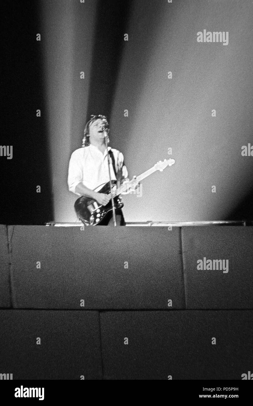 Dortmund, Germany, 20th. Feb.1981 - David Gilmour, guitarist and singer of british psychedelic rock band PINK FLOYD performing THE WALL concert at the Westfalenhalle in Dortmund/Germany (digital image from a b/w-film-negative) - Stock Image