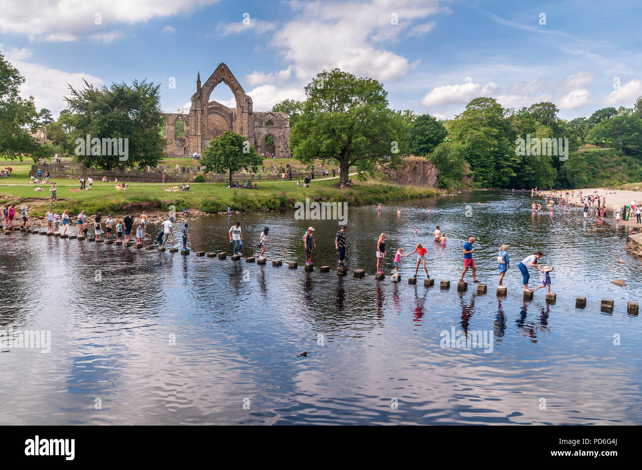 Bolton Abbey. West Yorkshire. River Wharfe. Stepping stones - Stock Image