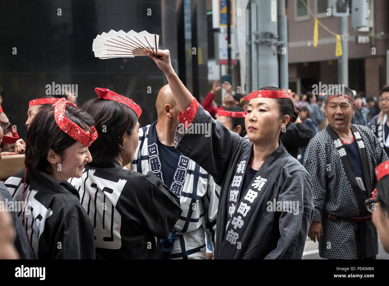 Japan, Honshu island, Kanto, Tokyo, the Kanda Matsuri, women carrying a mikoshi. Stock Photo