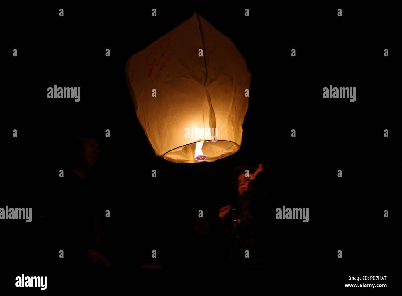 Sky Lanterns Floating In The Sky Deepavali Lights Festival Chinese Sky Lantern Wallpaper Diwali Celebration The Festivals Of The Light A Hindu Fe Stock Photo Alamy