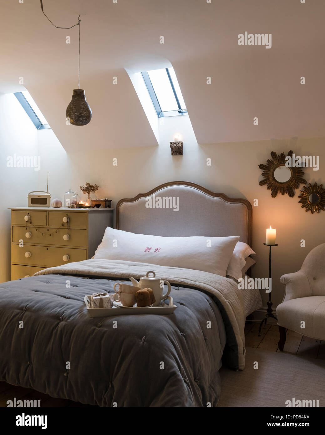 Candle Light Bedroom High Resolution Stock Photography And Images Alamy