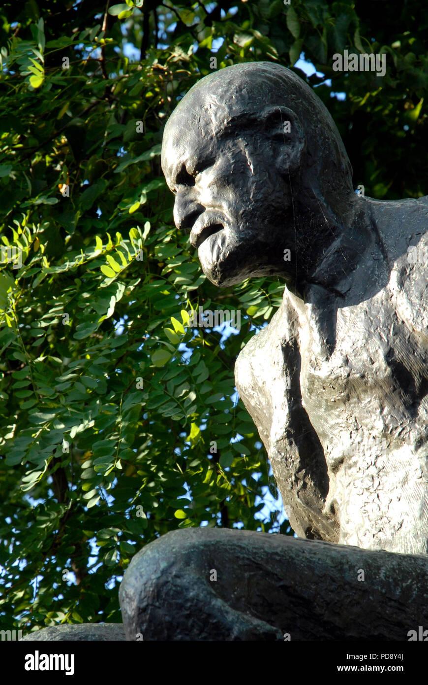 Sigmund Freud statue in Fitzjohn's Avenue, Hampstead, London - Stock Image