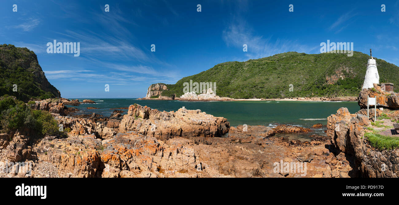 'The Heads', the entrance to the Knysna Lagoon on the Garden Route in the Western Cape Province, South Africa. - Stock Image
