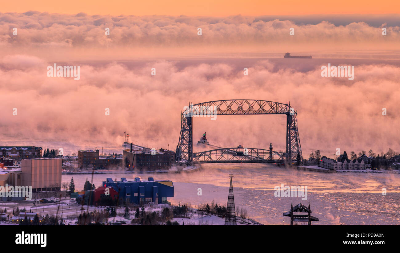 Sea Smoke at Lake Superior Lift Bridge Duluth Minnesota - Stock Image