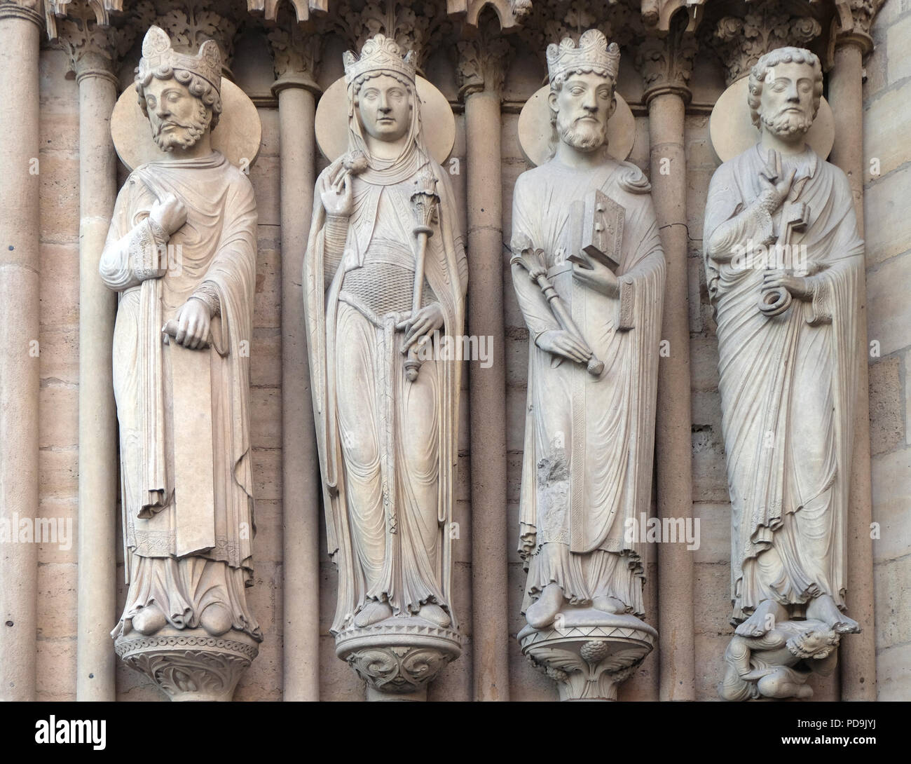 King, the Queen of Sheba, King Solomon and Saint Peter, Portal of St. Anne, Notre Dame Cathedral, Paris, UNESCO World Heritage Site in Paris, France Stock Photo