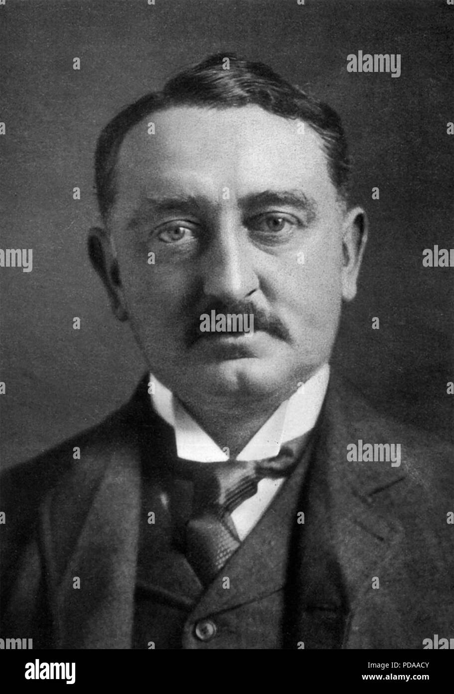 CECIL RHODES (1853-1902) English businessman, mining magnate and South African politician, about 1900 - Stock Image