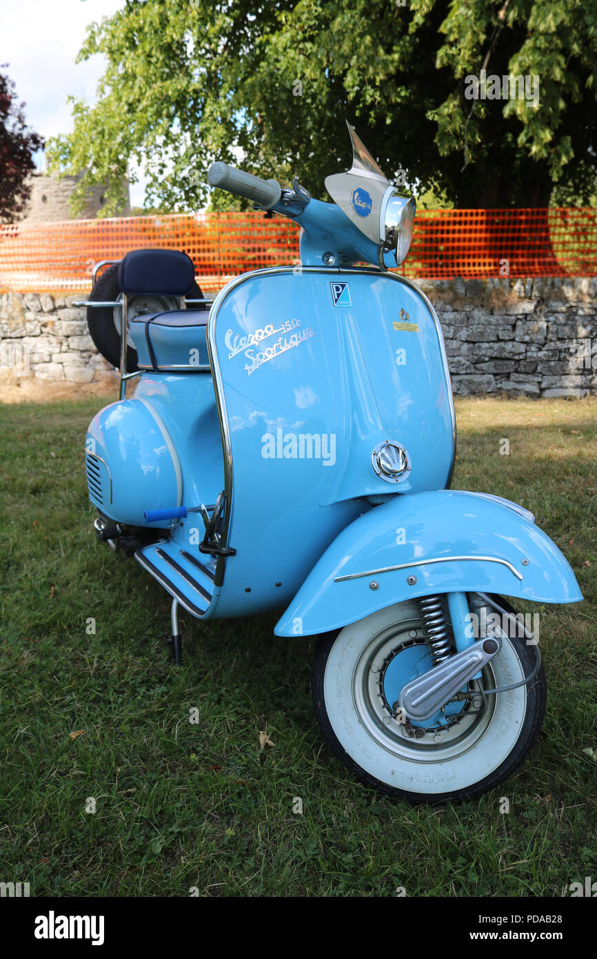 Vintage Vespa High Resolution Stock Photography And Images Alamy