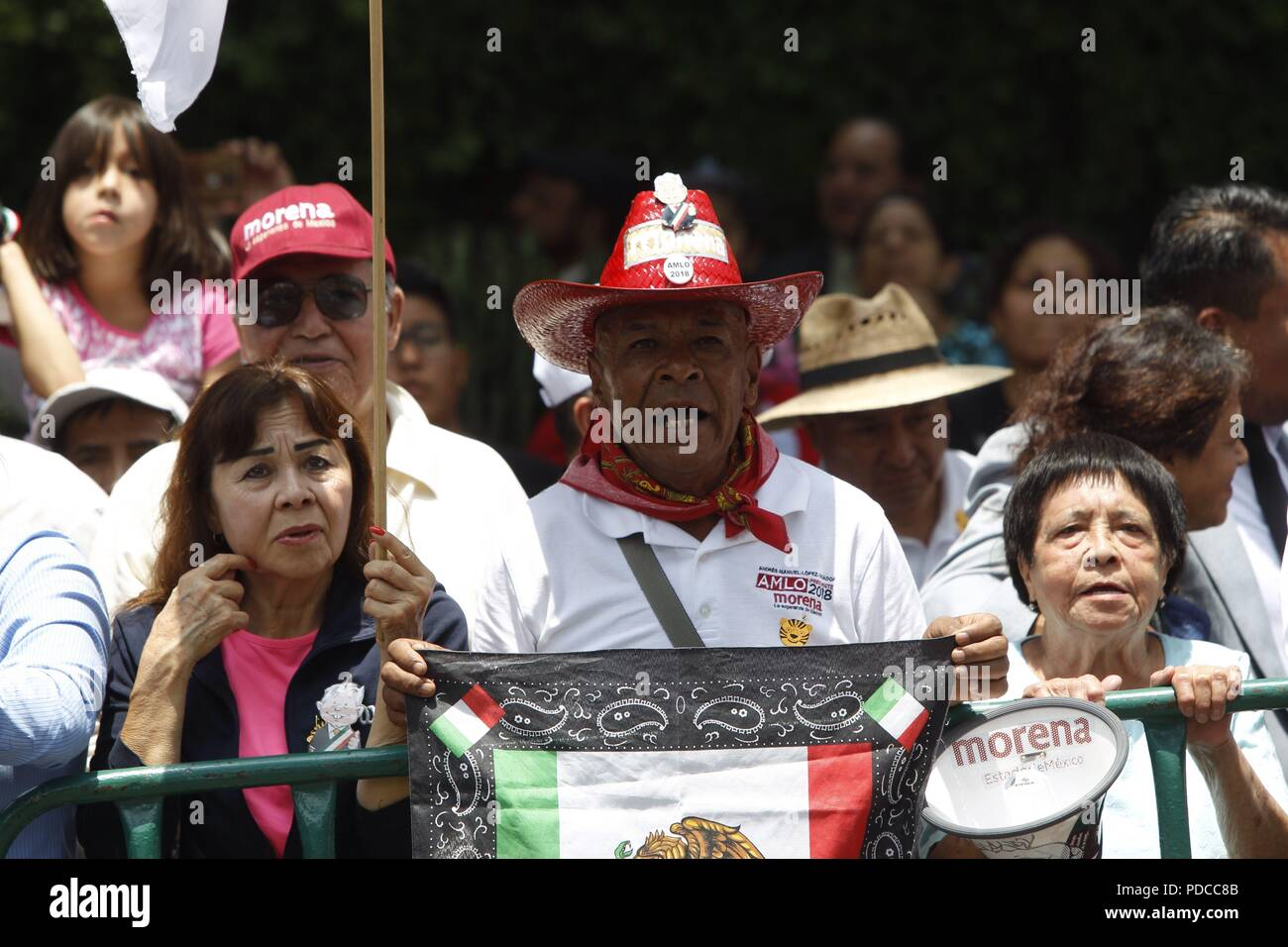 Mexico City, Mexico. 8th August, 2018. Sympathizers of Mexican President-elect Andres Manuel Lopez Obrador greet him as he arrives at the Electoral Court of the Federation's Judicial Power, in Mexico City, Mexico, 08 August 2018. The Court validated the Mexican election and Obrador's victory. EFE/Mario Guzman Credit: EFE News Agency/Alamy Live News Stock Photo