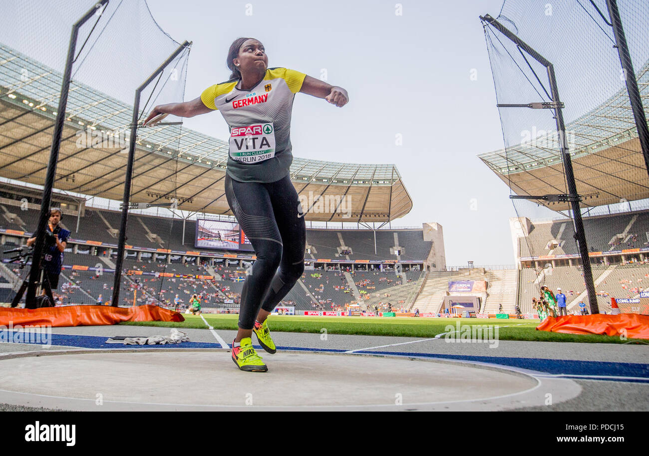 6ba4c12dbce2d Track and Field, European Championships, Discus, Qualification Women.  Claudine Vita from Germany throws the discus. Credit: Kay  Nietfeld/dpa/Alamy Live News