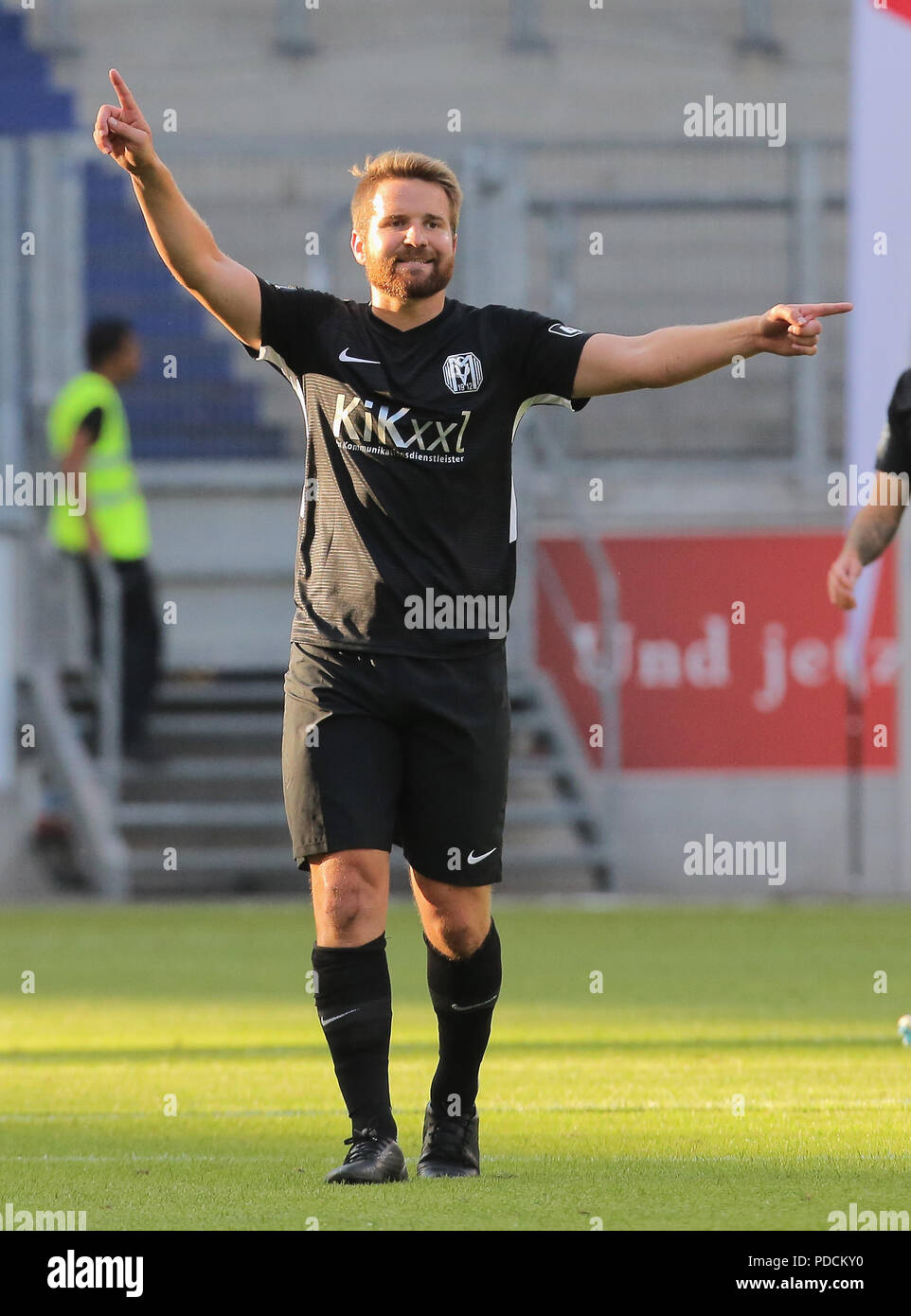 Duisburg, Germany. 08th Aug, 2018. Duisburg, Germany August 8 2018, 3rd league matchday 3, KFC Uerdingen 05 vs SV Meppen: Thilo Leugers (SVM) gestures. Credit: Juergen Schwarz/Alamy Live News - Stock Image