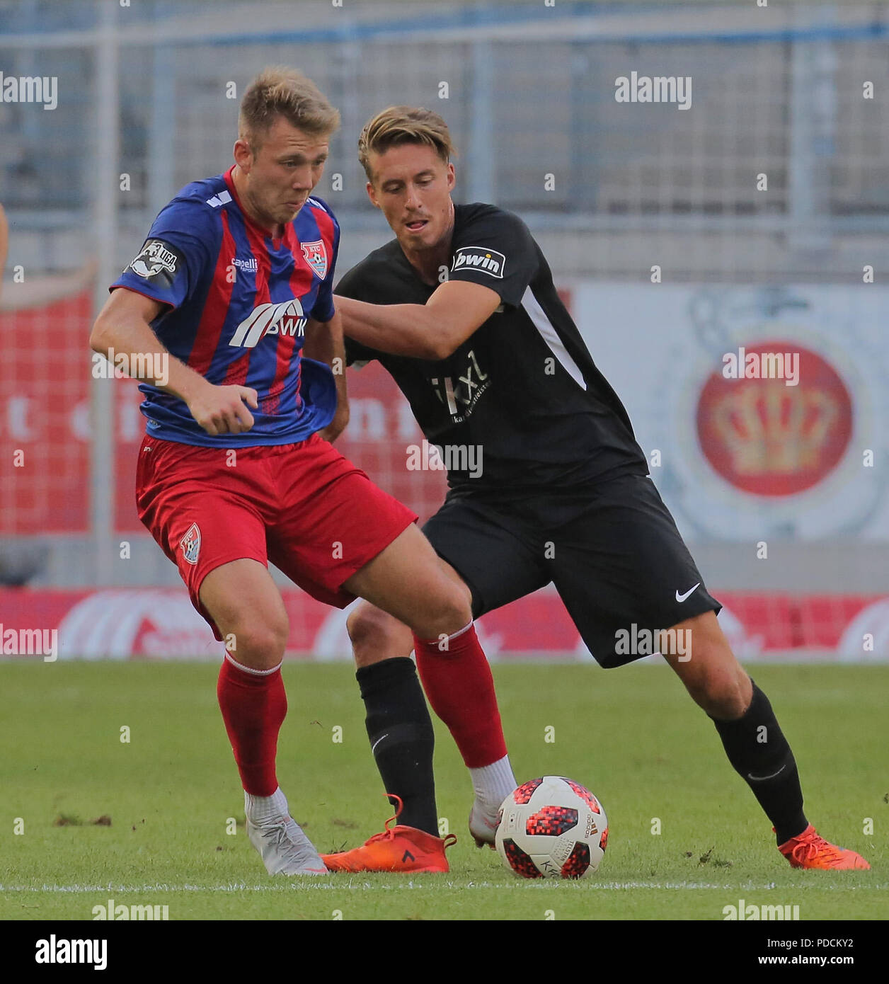Duisburg, Germany. 08th Aug, 2018. Duisburg, Germany August 8 2018, 3rd league matchday 3, KFC Uerdingen 05 vs SV Meppen: Patrick Posipal (SVM), Connor Krempicki (KFC) in competition. Credit: Juergen Schwarz/Alamy Live News - Stock Image