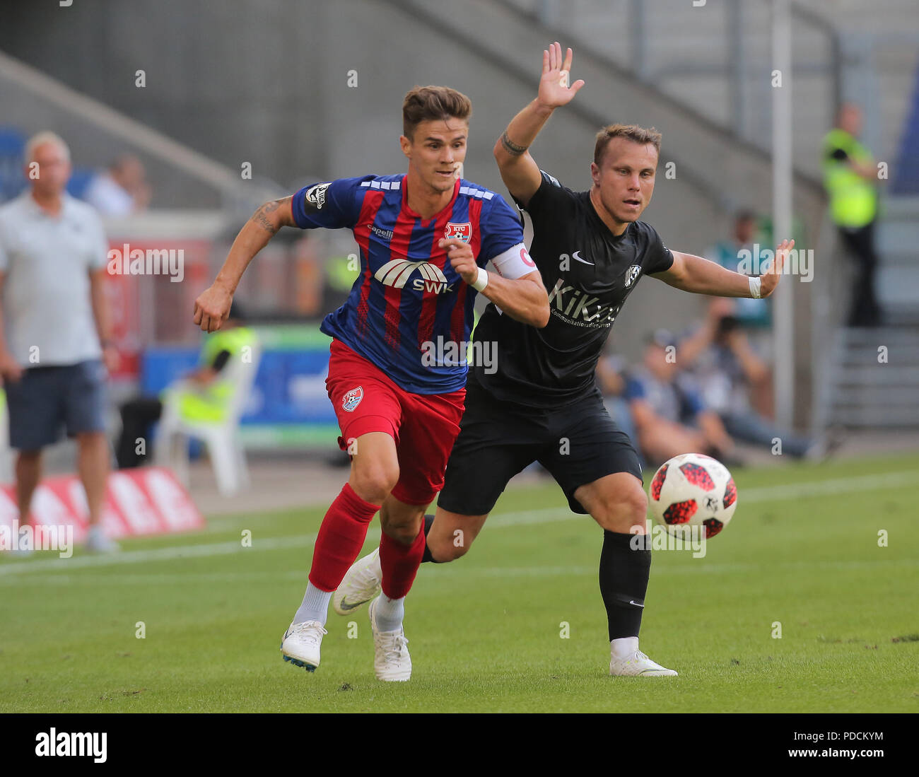 Duisburg, Germany. 08th Aug, 2018. Duisburg, Germany August 8 2018, 3rd league matchday 3, KFC Uerdingen 05 vs SV Meppen: Mario Erb (KFC), Nico Granatowski (SVM) in competition. Credit: Juergen Schwarz/Alamy Live News - Stock Image