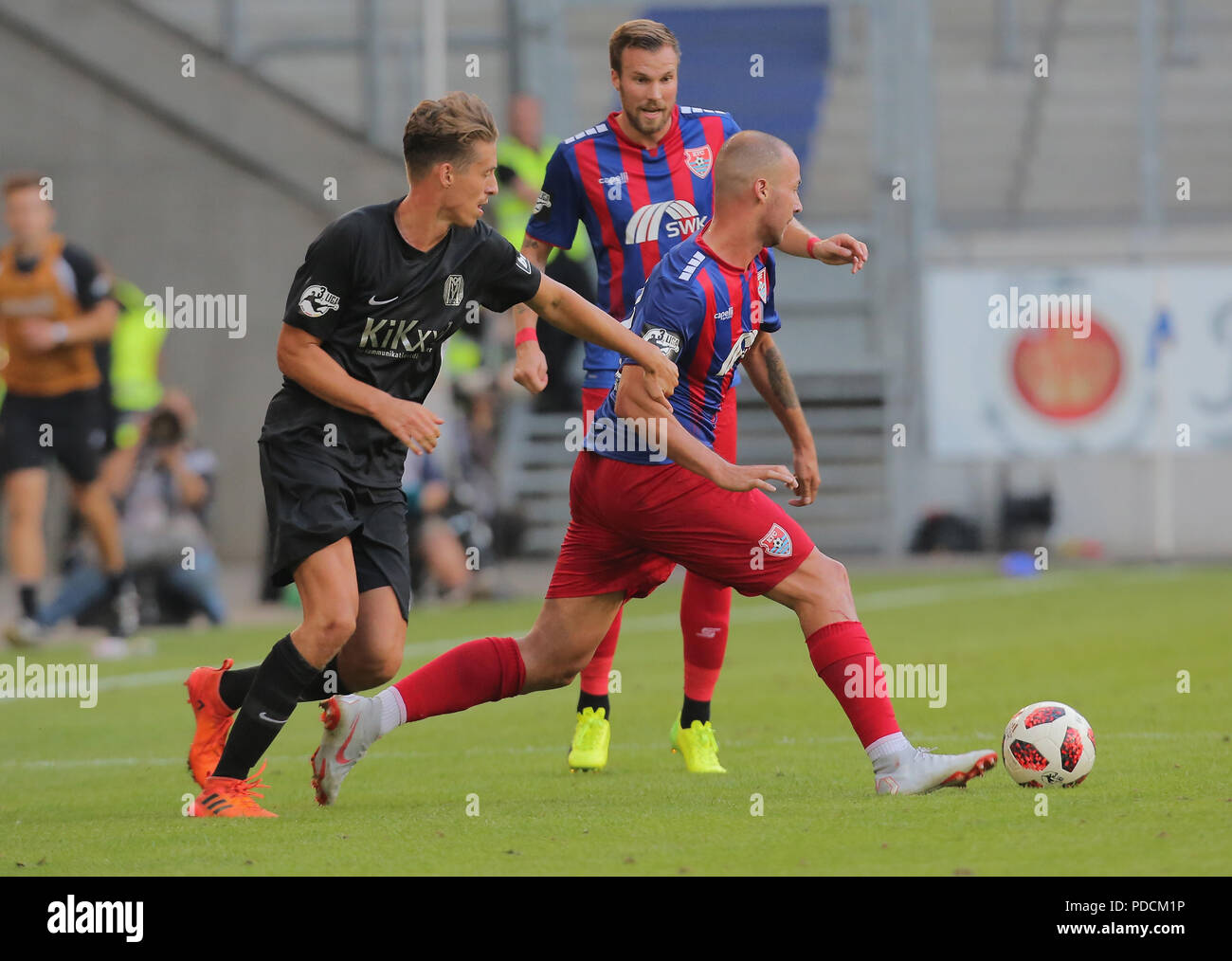 Duisburg, Germany. 08th Aug, 2018. Duisburg, Germany August 8 2018, 3rd league matchday 3, KFC Uerdingen 05 vs SV Meppen: Patrick Posipal (SVM), Tanju Oeztuerk (KFC) in competition. Credit: Juergen Schwarz/Alamy Live News - Stock Image