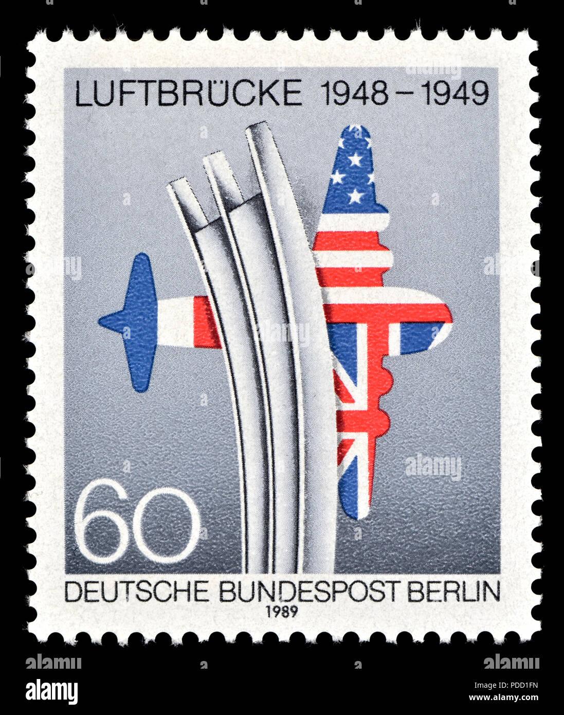 German postage stamp (Berlin: 1989) : Berlin Air Lift / Luftbrucke (1948 - 49) the supply of goods to West Berlin by air during the Berlin Blockade af - Stock Image
