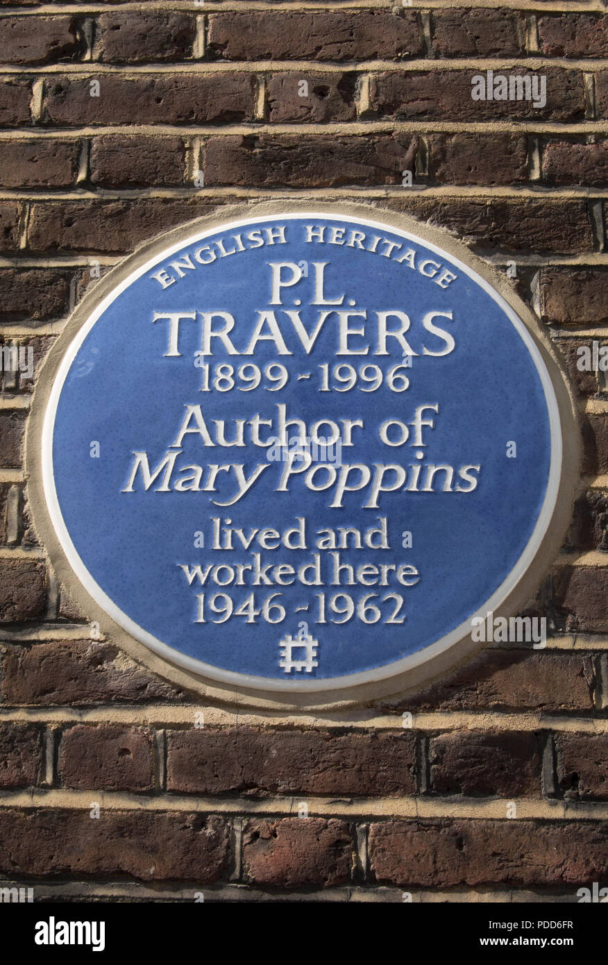 english heritage blue plaque marking a home of pl travers, author of mary poppins, smith street, chelsea, london, england - Stock Image