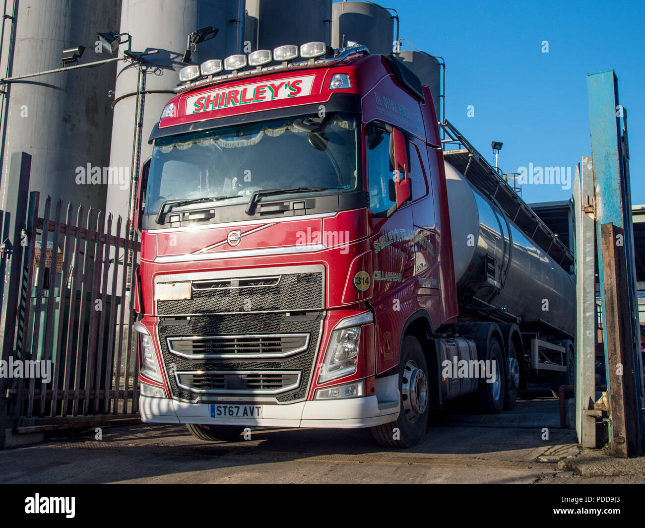 Volvo tanker waiting at an oil recycling plant in South Yorkshire Stock Photo