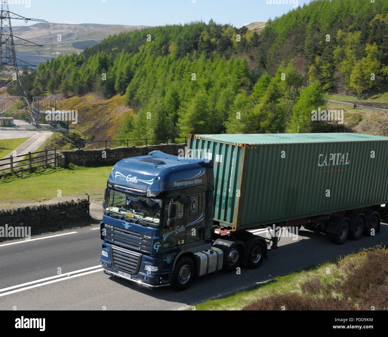DAF container truck on Woodhead Pass, Yorkshire Stock Photo