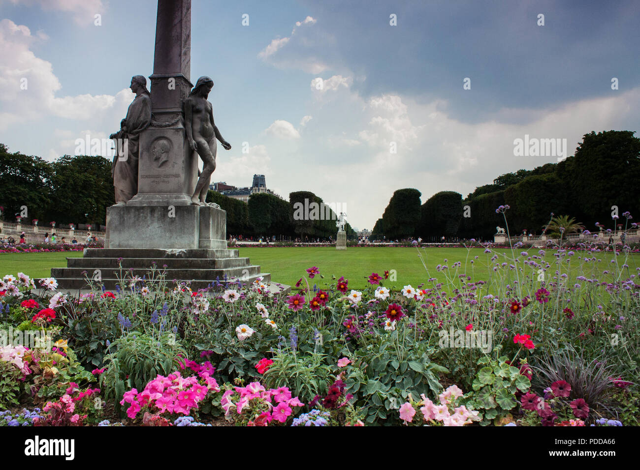 colorful flowers in the luxembourg gardens le jardin du luxembourg paris summer - Le Jardin Du Luxembourg