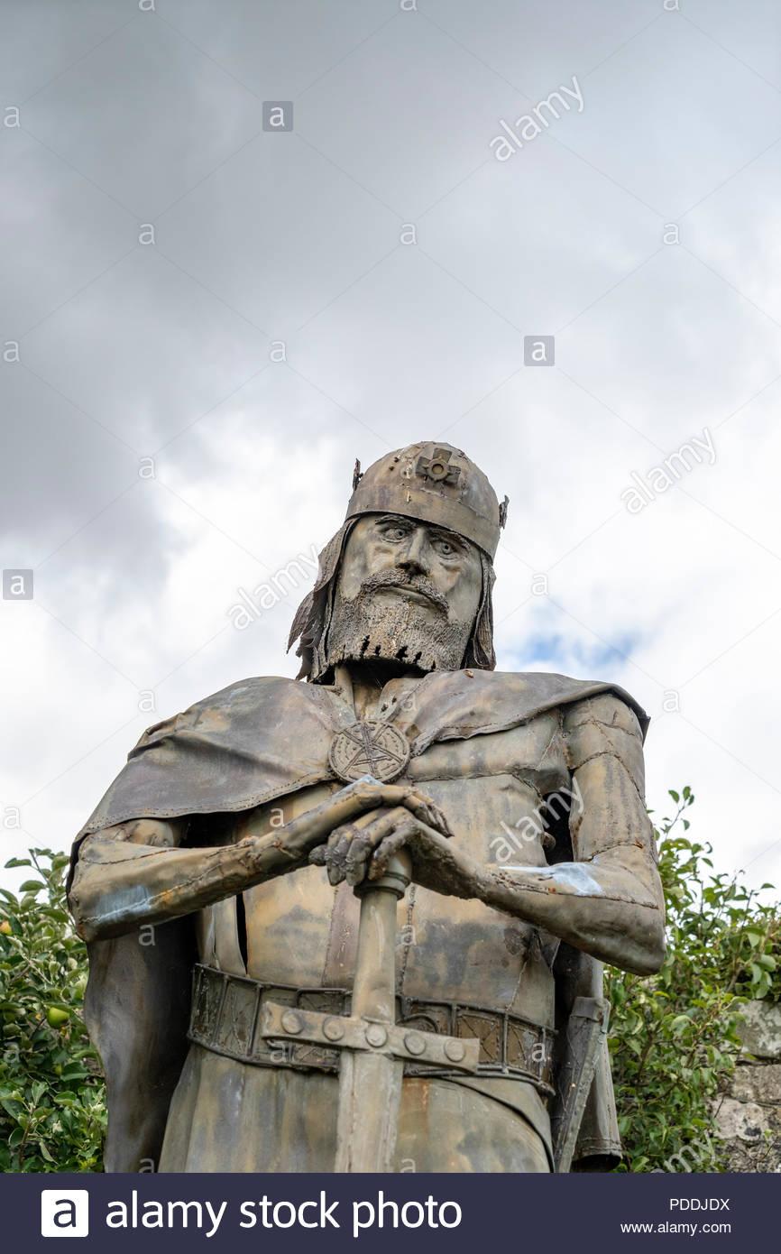 Statue of King Edward at Shaftesbury Abbey in Shaftesbury Dorset UK - Stock Image