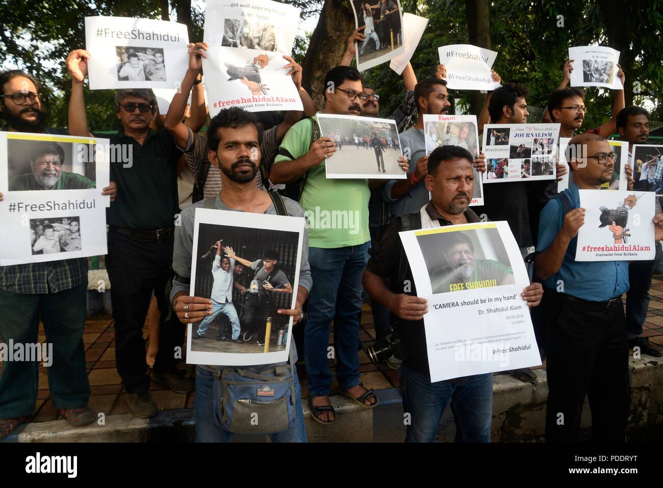 Kolkata, India  08th Aug, 2018  Indian journalist hold
