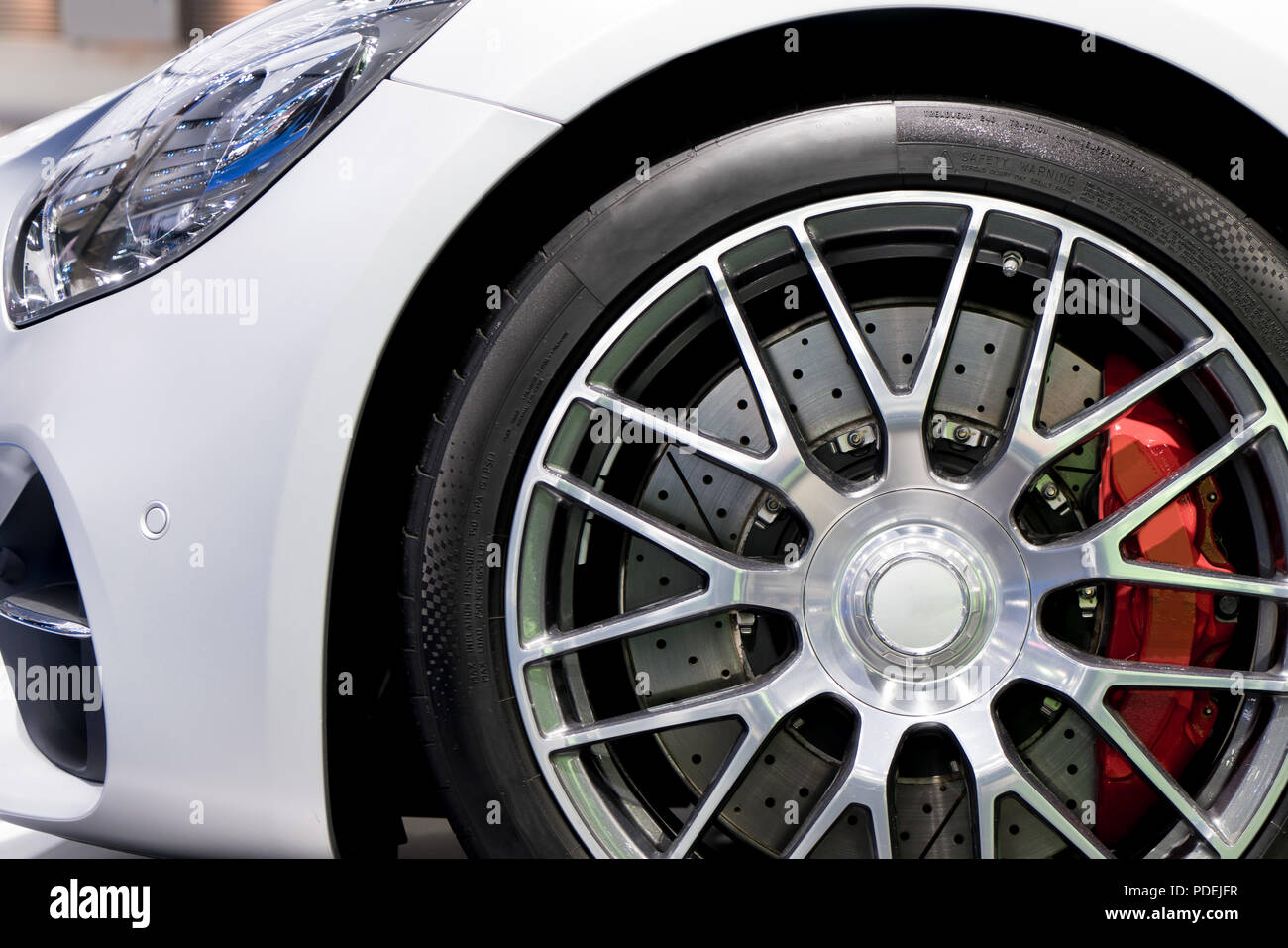 Detailing Series Clean Super Car Disc Brake Red Rims From Sports