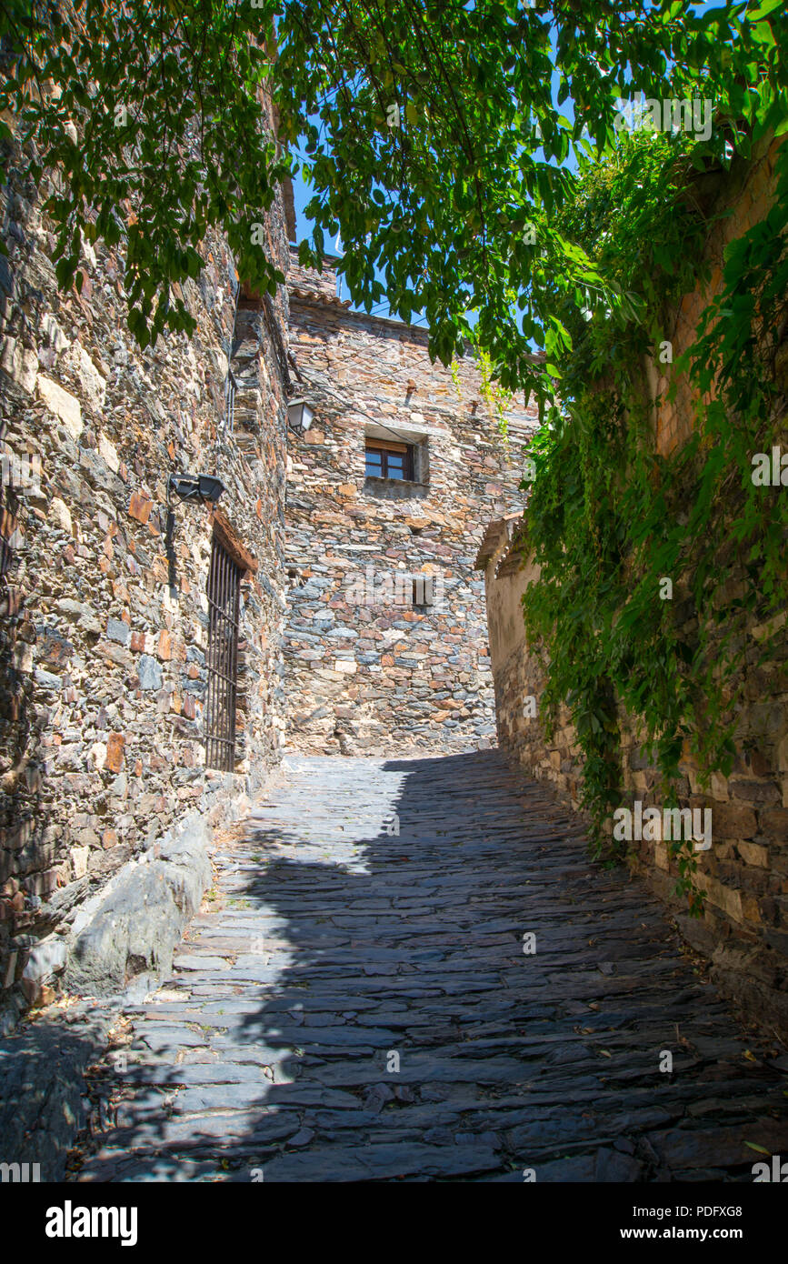 Cobbled street. Patones de Arriba, Madrid province, Spain. - Stock Image