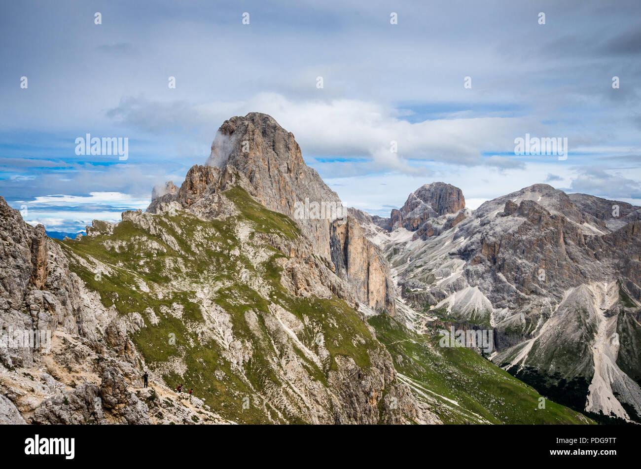 Rosengarten Catinaccio massif, Dolomites, Italy. Spectacular view in Val di Vajolet, Dolomiti mountains, Alto Adige, South Tyrol - Stock Image