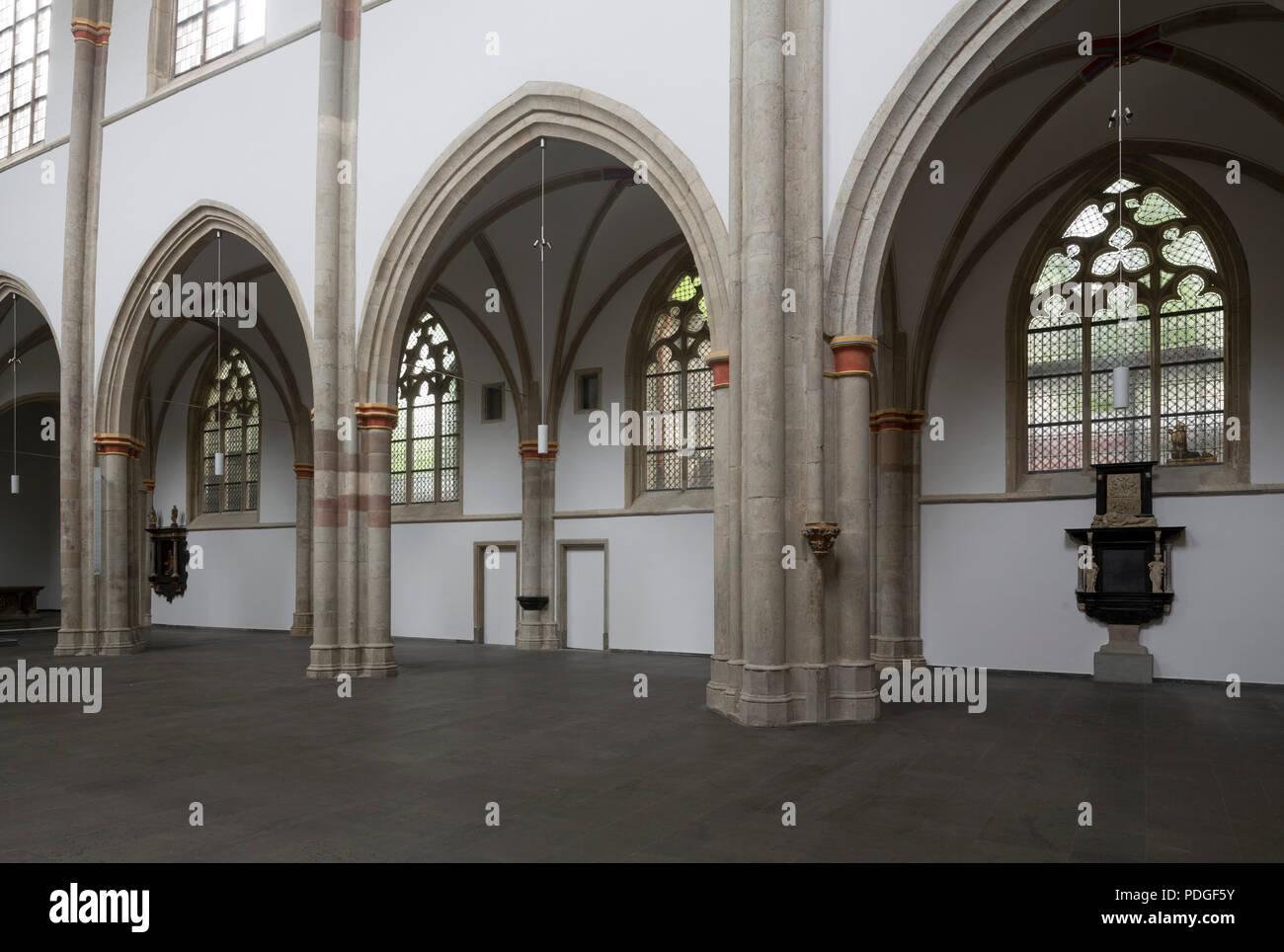 Nach der Renovierung ohne Kirchenbänke, Nördliche Langhauswand - Stock Image