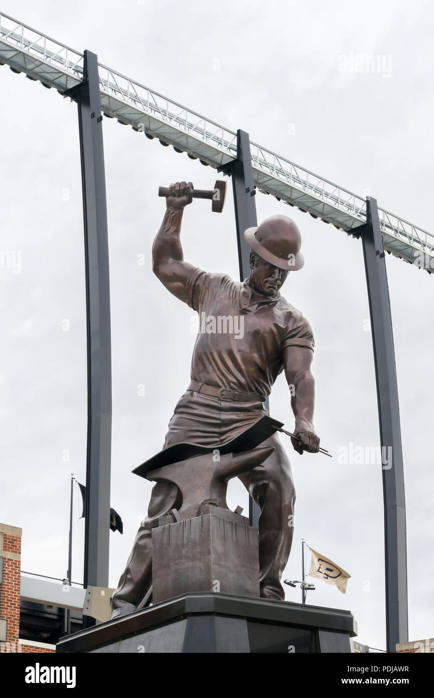 WEST LAFAYETTE, IN/USA - OCTOBER 22, 2017: The Boilermaker statue on the campus of the Purdue University. - Stock Image