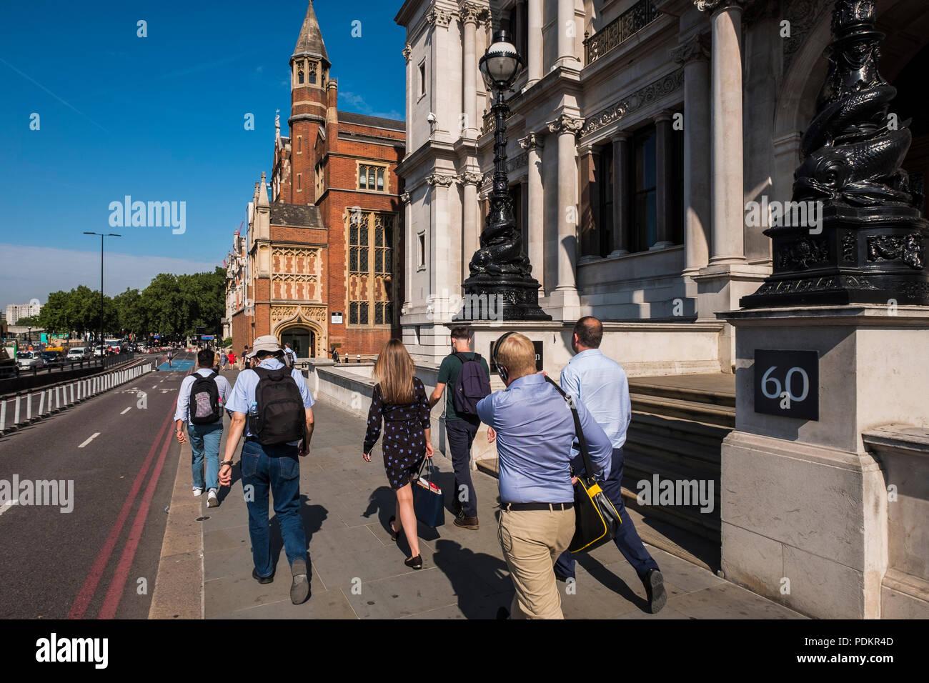 J P Morgan 60 Victoria Embankment London England U K Stock Photo Alamy